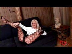 Long lady hottie in pantyhose