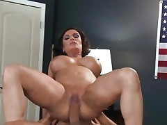 Sizzling Diamond Foxxx gets dicked up her wet snatch