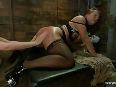 2 ladies with perfect asses having a kinky lesbian love